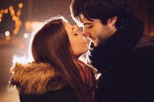Как правильно целоваться взасос с парнем
