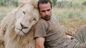 мужчина и лев