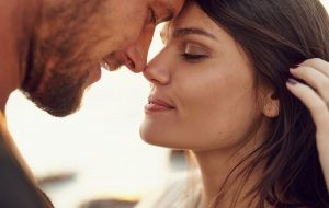 влюбленные мужчина и женщина
