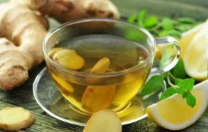 чашка чая с имбирем и лимоном
