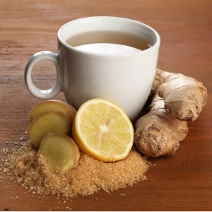 чашка, имбирь, сахар и лимон
