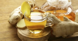 чашка с имбирем и медом