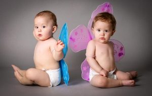 мальчик и девочка с крылышками
