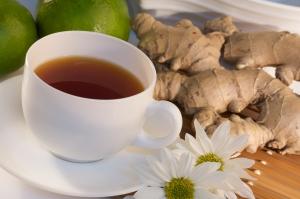 имбирь корень и чашка чая