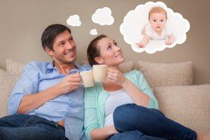 мужчина и женщина думают о ребенке