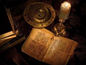 свеча и древняя книга