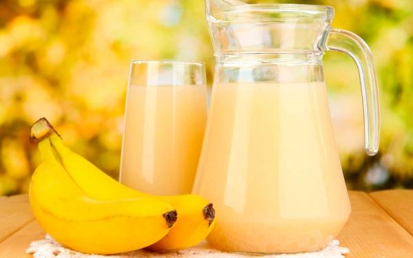 бананы и напиток