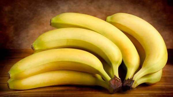 большая ветка бананов