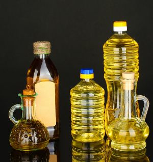 различные бутылки с маслом