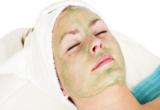 маска на лице у женщины