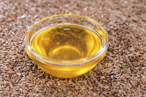 масло стоит на семенах льна