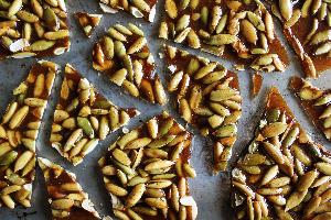 медовые сладости с тыквенными семенами
