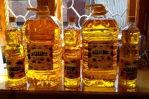 бутылки нерафинированного подсолнечного масла