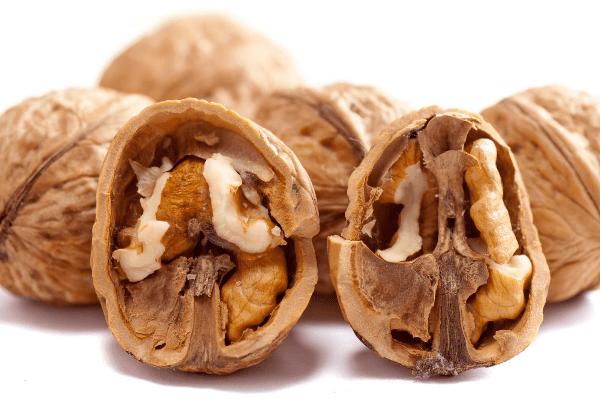 половинки грецкого ореха