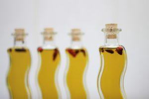 фигурные бутылочки с маслом
