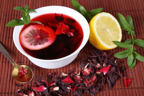 чай каркаде с лимоном и мятой