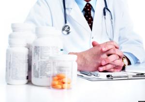 врач и лекарства