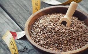 льняное семя и сантиметр