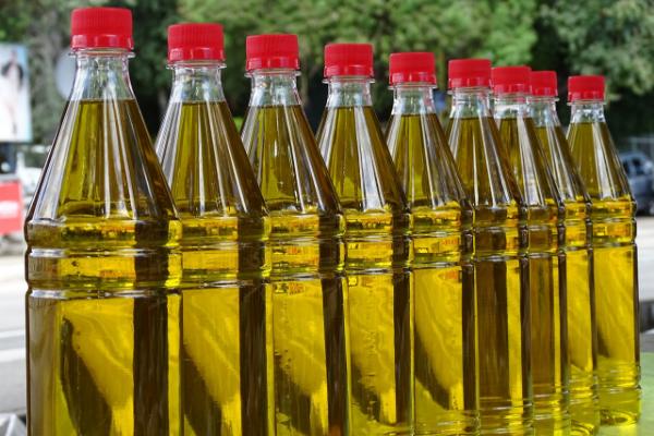 масло в бутылках