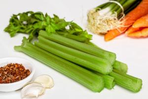 сельдерей,морковь и другие овощи