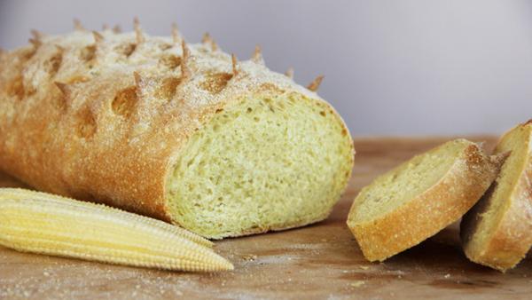 хлеб кукурузный и початок