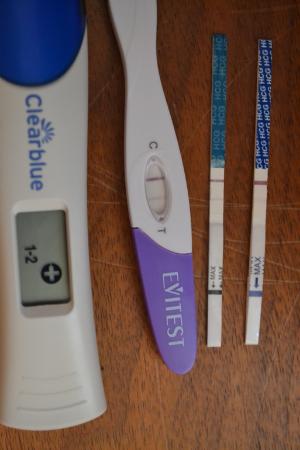разные тесты на беременность с реультатом