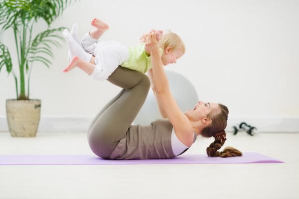 фитнес мамы с ребенком