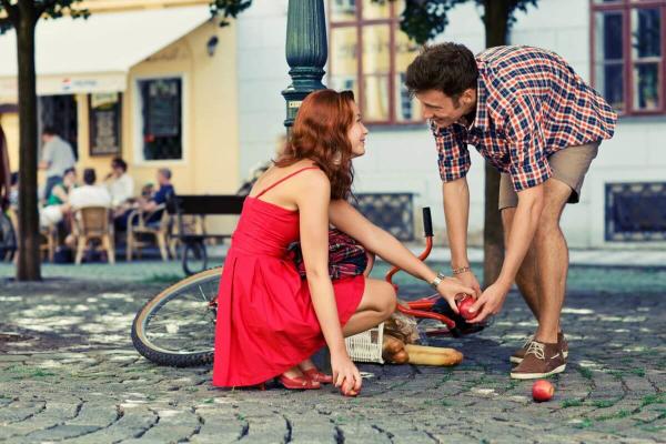 женщина, мужчина и велосипед