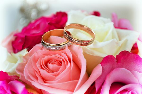 кольца на розах