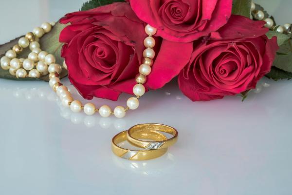 розы, кольца и жемчуг