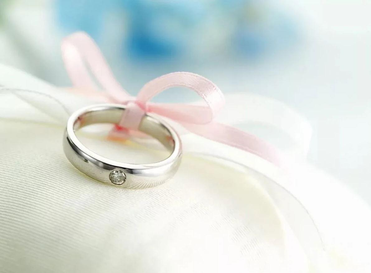 кольцо и бантик