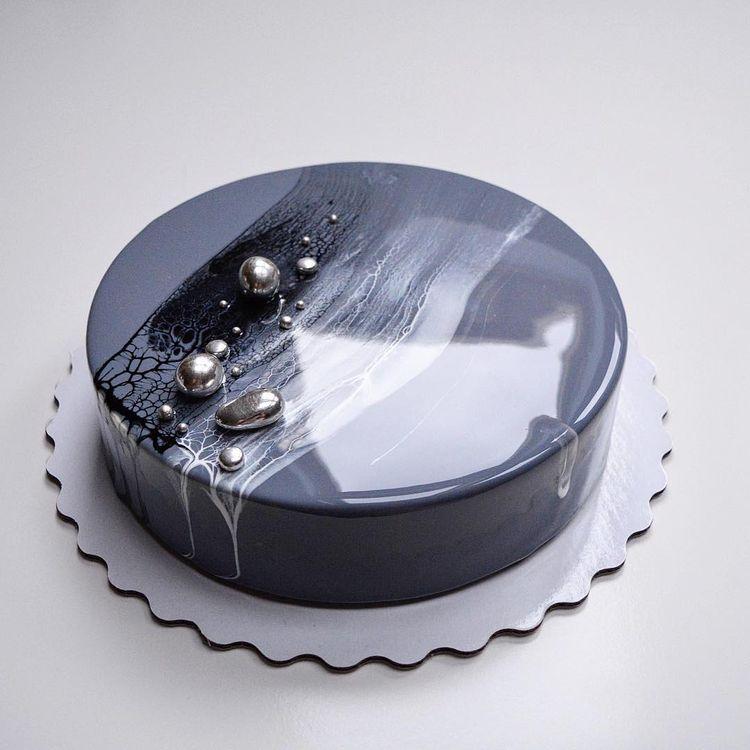 оригинально оформленный торт