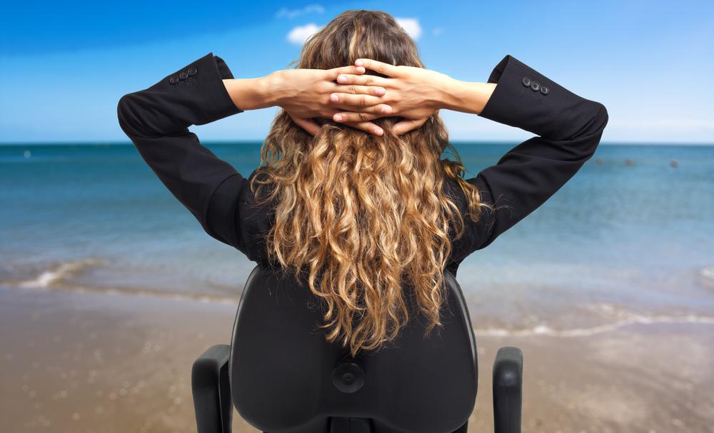девушка на кресле на бергеу