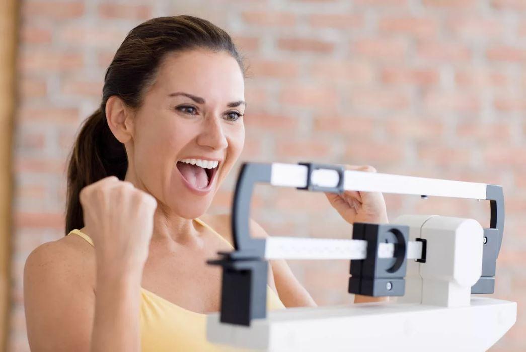 женщина и весы