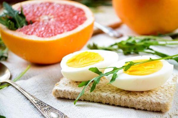 яйцо и грейпфрут